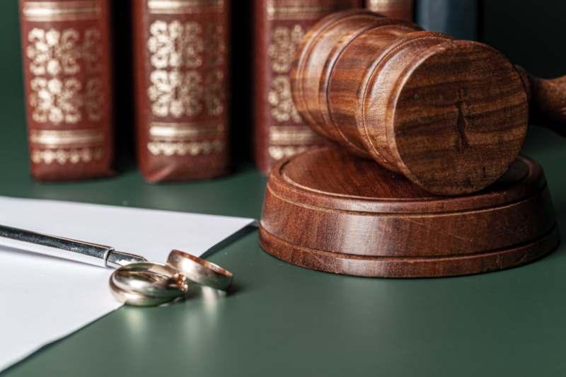 האם להתגרש בגלל מחלת בן זוג?